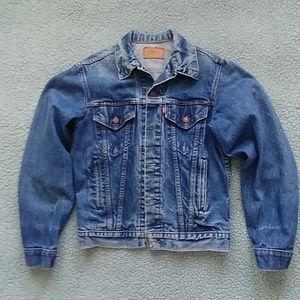 Vintage Levi's denim jacket 100% cotton made inUSA